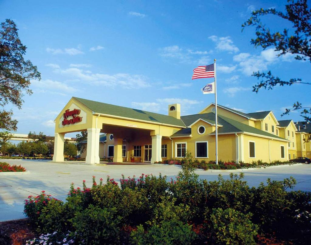 Hampton Inn & Suites Elmwood