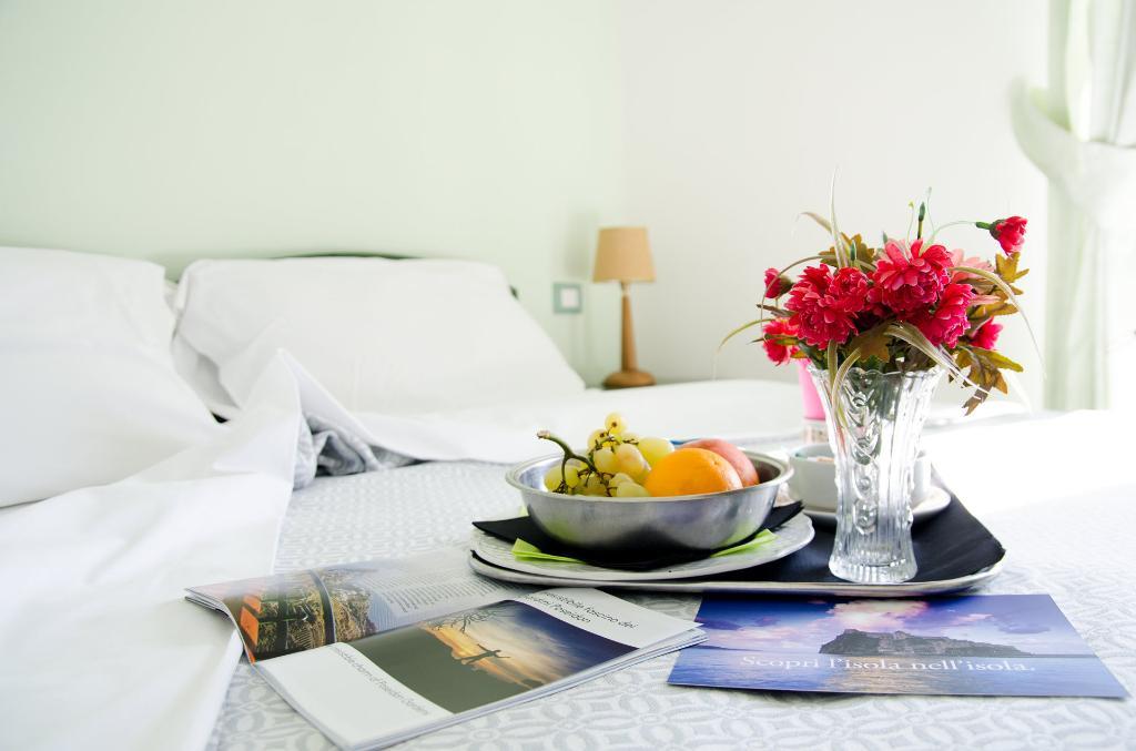 ホテル ラ ジネストラ