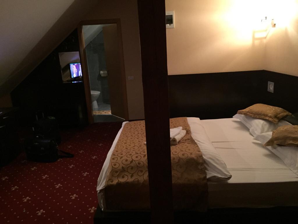 ペンション カーサ ムレザン ホテル