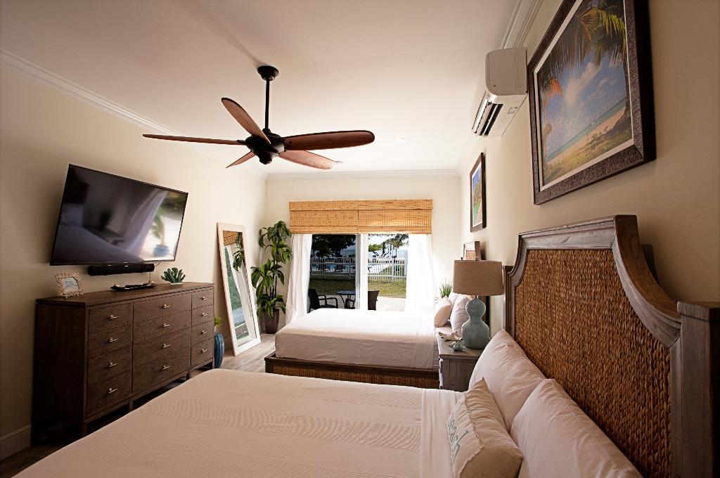Seascape Motel and Marina