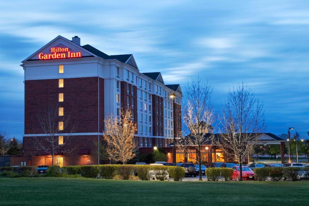 โรงแรมฮิลตันการ์เด้นอินน์ ฮอฟฟ์มันเอสเตท