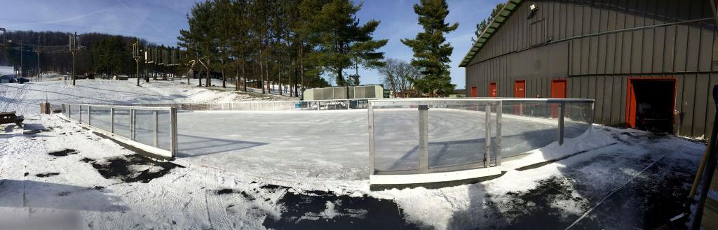 ‪Wisp Resort Ice Rink‬