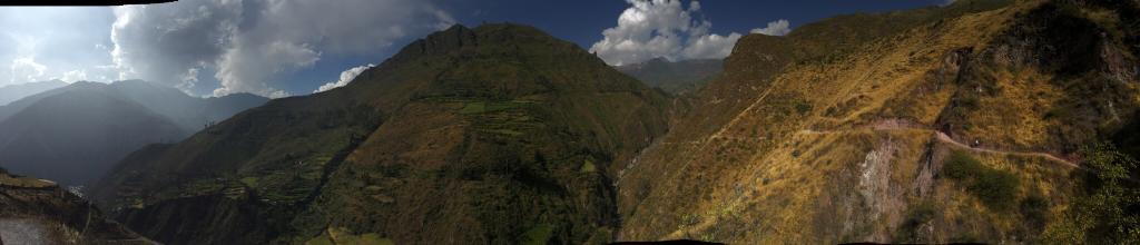 Caminata a la Catarata de Antankallo