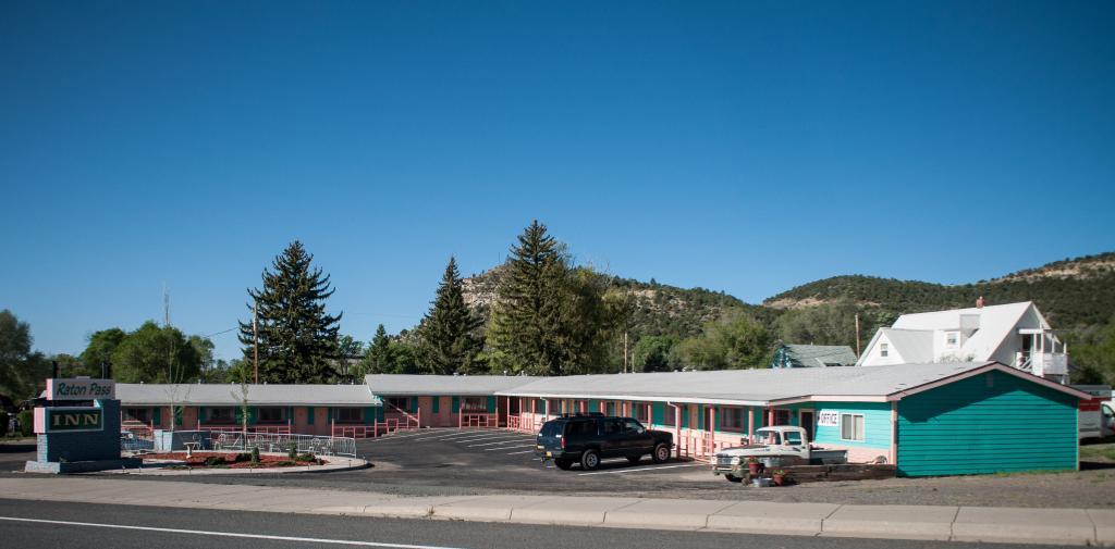 Raton Pass Inn