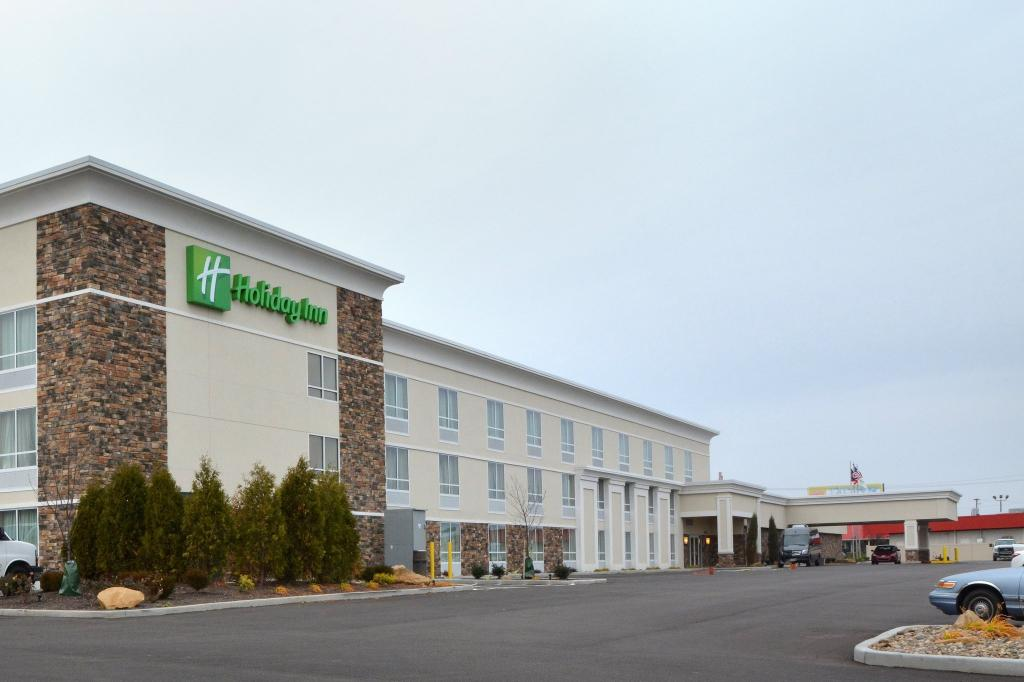Holiday Inn Canton (Belden Village)