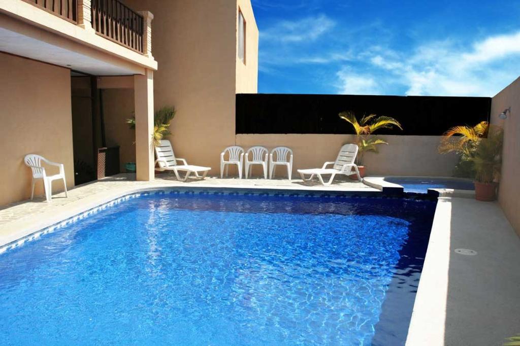 Blue Palm Hotel