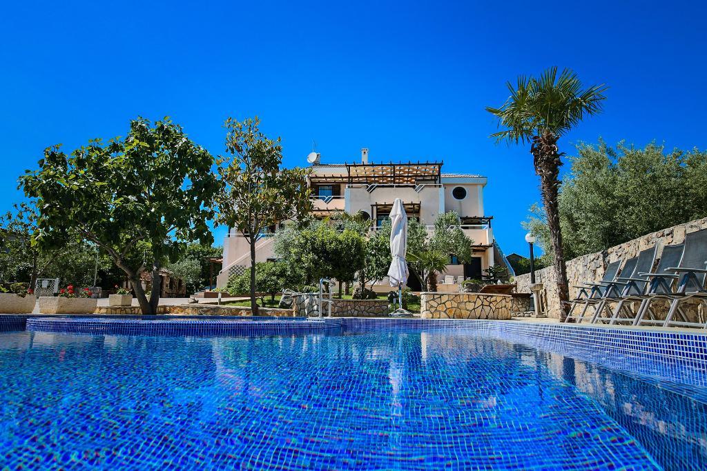 Villa Haya apartments