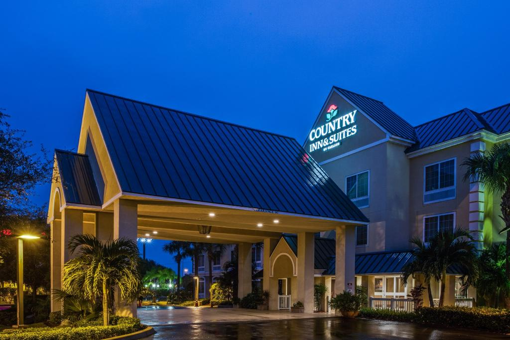 ‪Country Inn & Suites By Carlson, Vero Beach-I-95‬