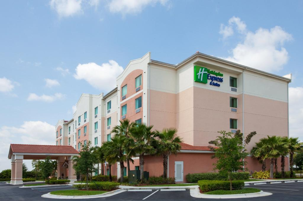‪Holiday Inn Express Pembroke Pines-Sheridan St‬