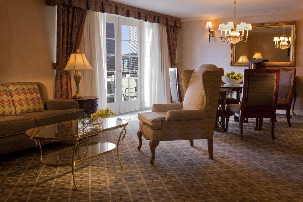 Warwick Denver Hotel