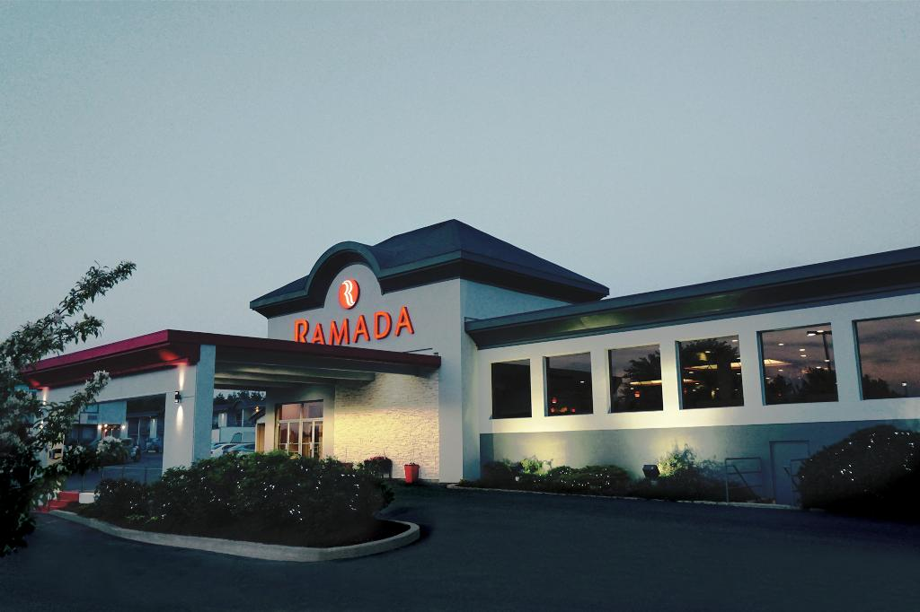 Ramada Kingston Hotel and Conference Center