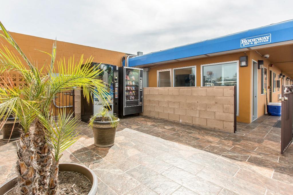 Rodeway Inn & Suites Chula Vista