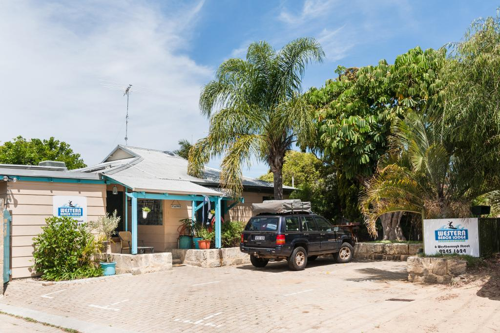 Western Beach Lodge