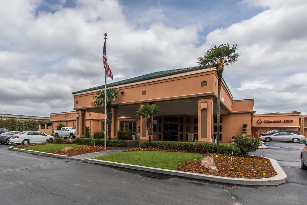 Clarion Inn Hotel