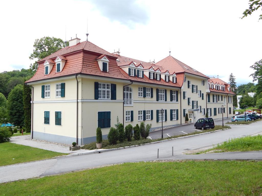 Apartments & Wellness center Patricia - Vila Golf