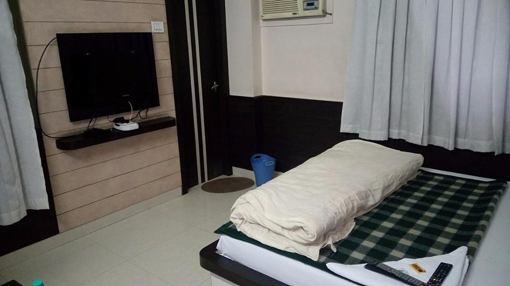Hotel Vinayak Palace, Sikar