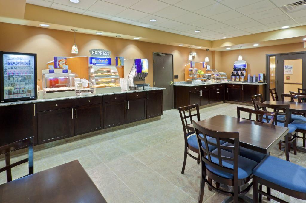 Holiday Inn Express Ashtabula-Geneva