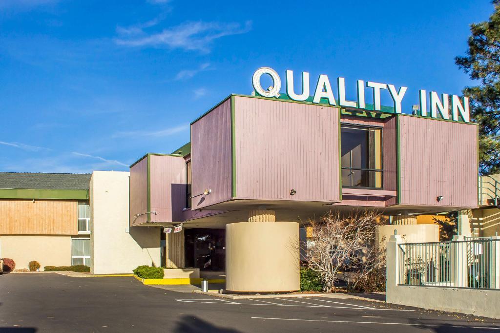 Quality Inn I-40 & I-17