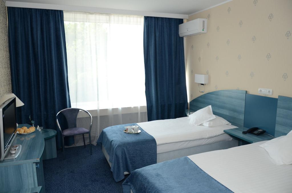 투르누 세버린 컨티넨탈 호텔