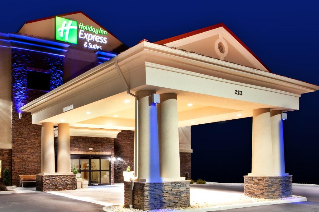 ‪Holiday Inn Express Hotel & Suites Lewisburg‬