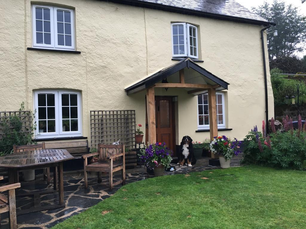 Edgcott Cottage B&B
