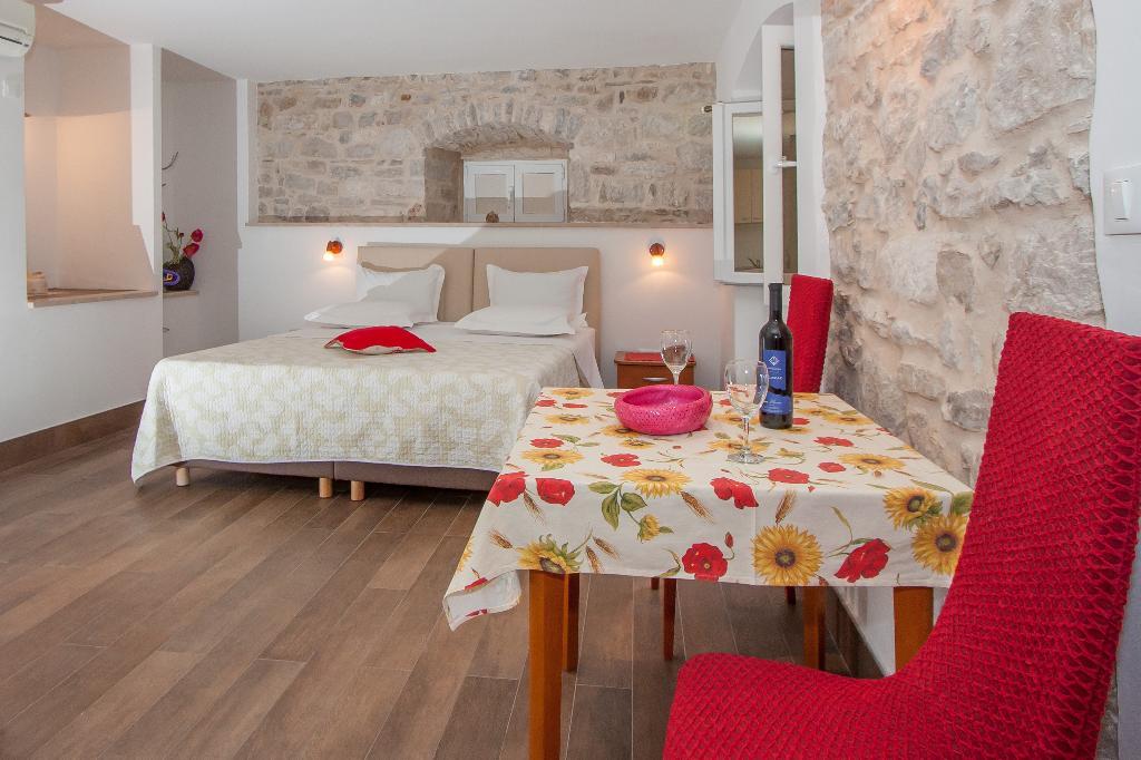 Garden Apartment Hotel
