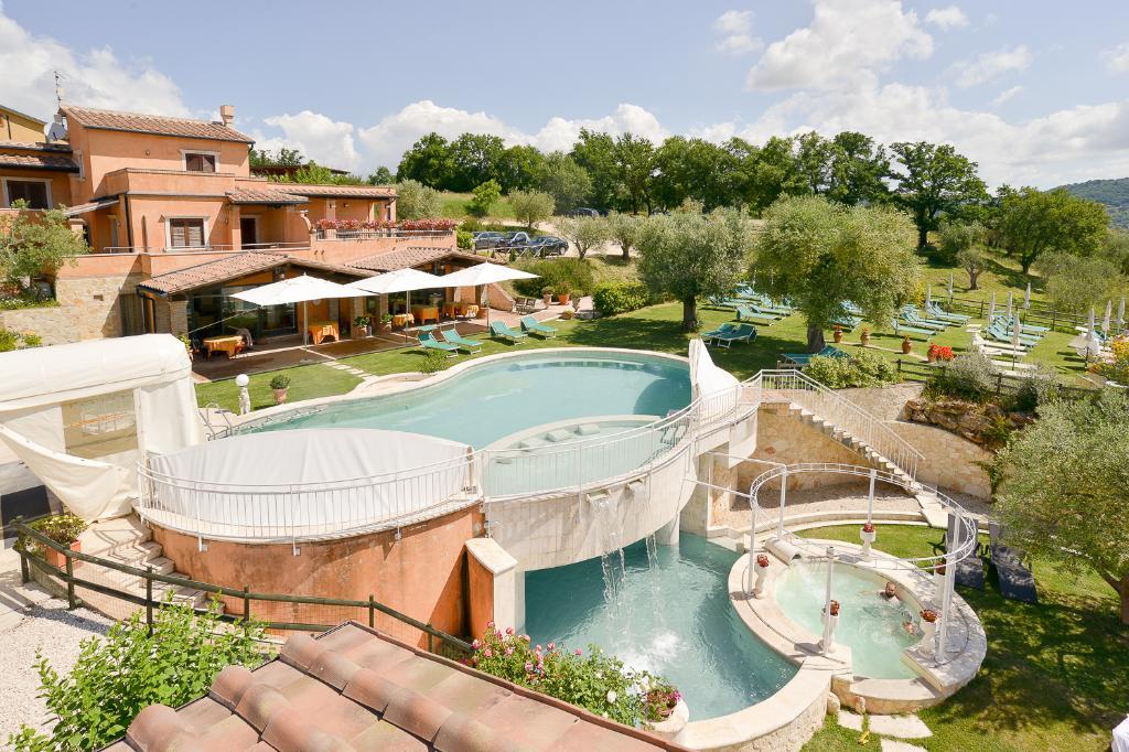 薩圖爾諾豐泰布拉酒店