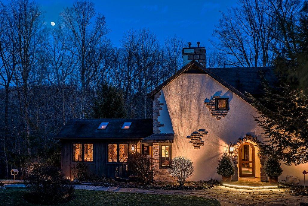 Glenlaurel, A Scottish Inn & Cottages