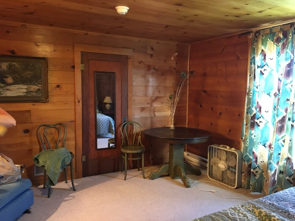 Blue Bucket Inn at 3E Ranch B & B