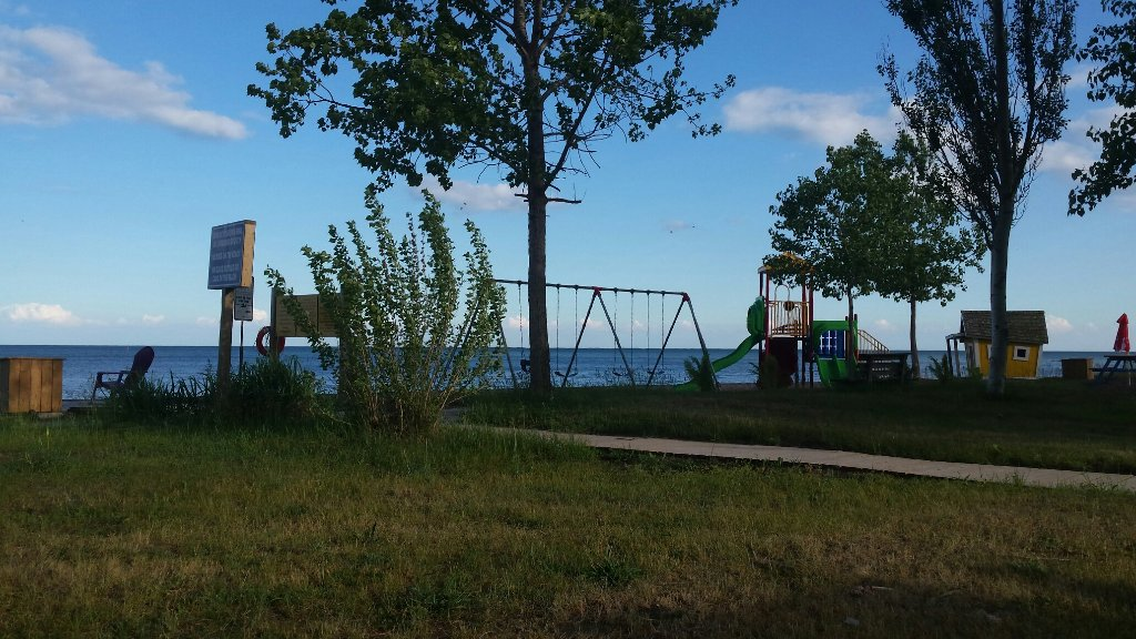 Holiday Harbour Campground