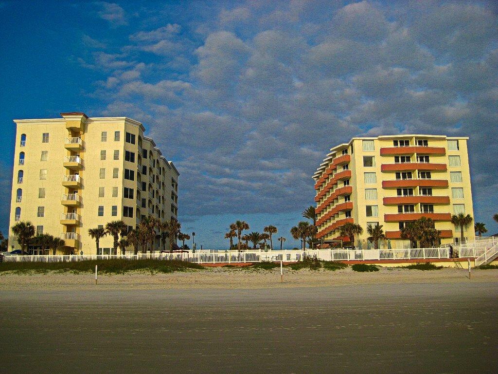 奧蒙德海灘上灣酒店