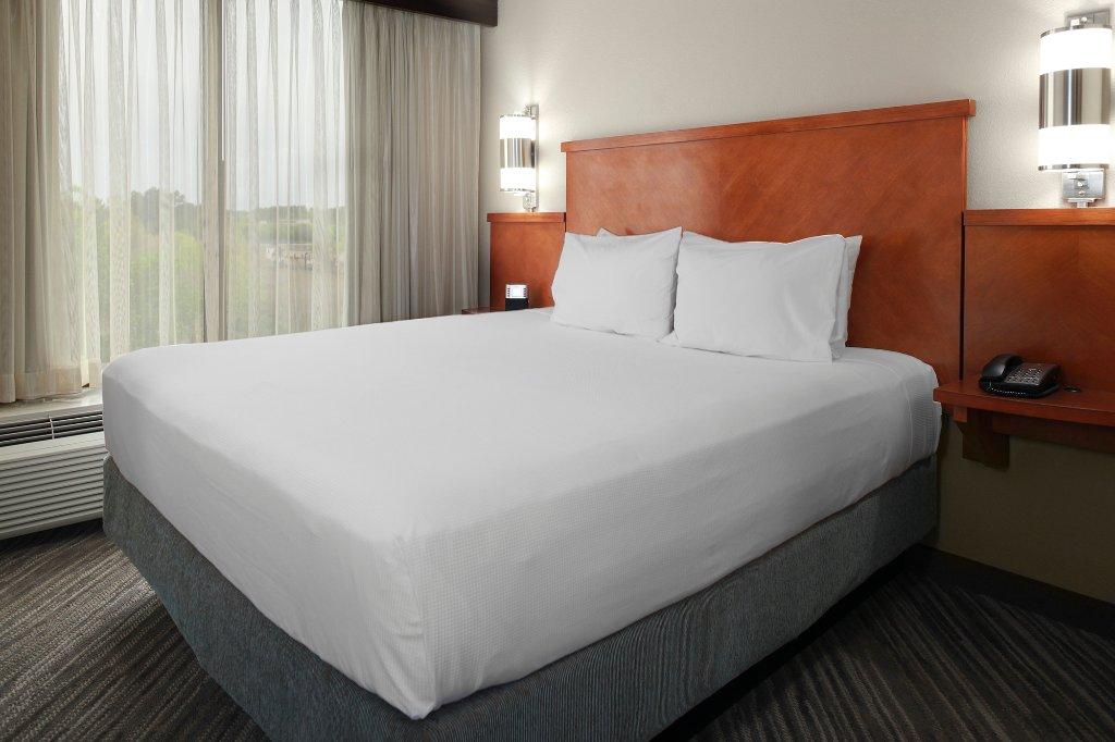夏洛特機場凱悅居所飯店