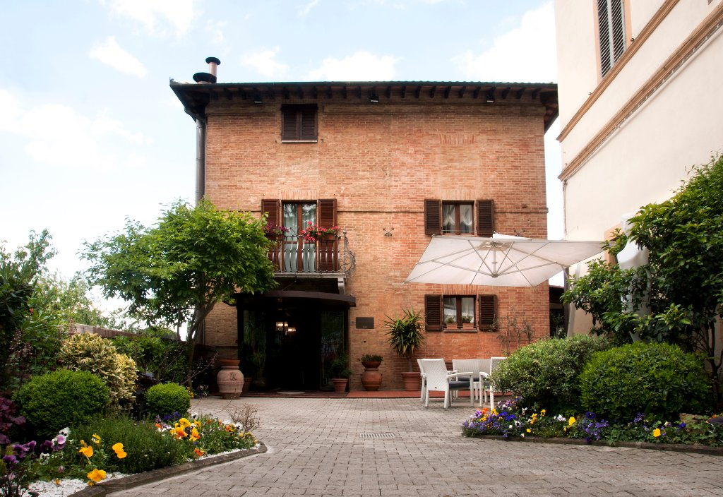 호텔 알코발레노