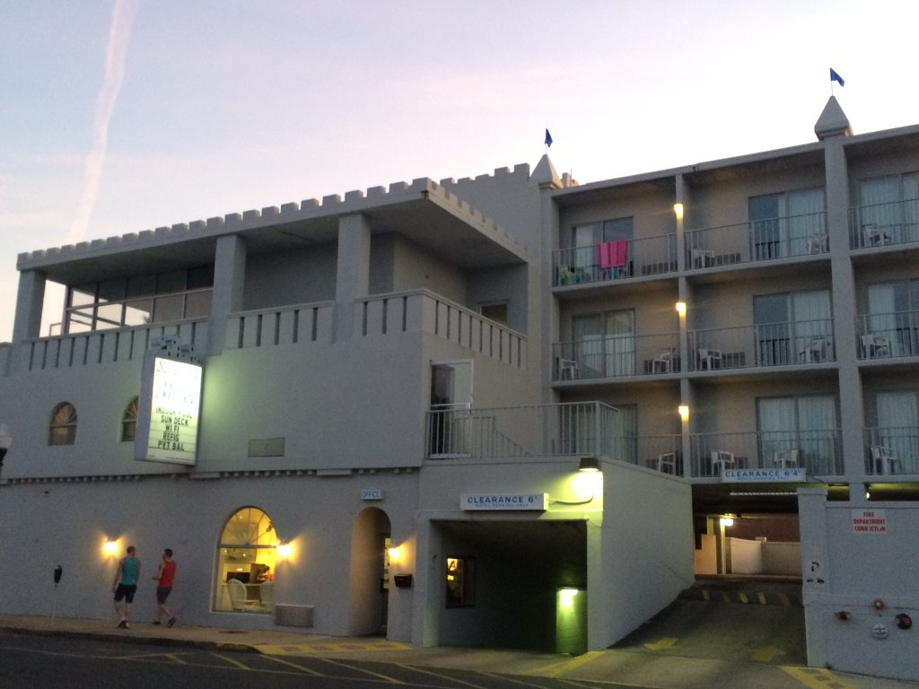 Sandcastle Motel