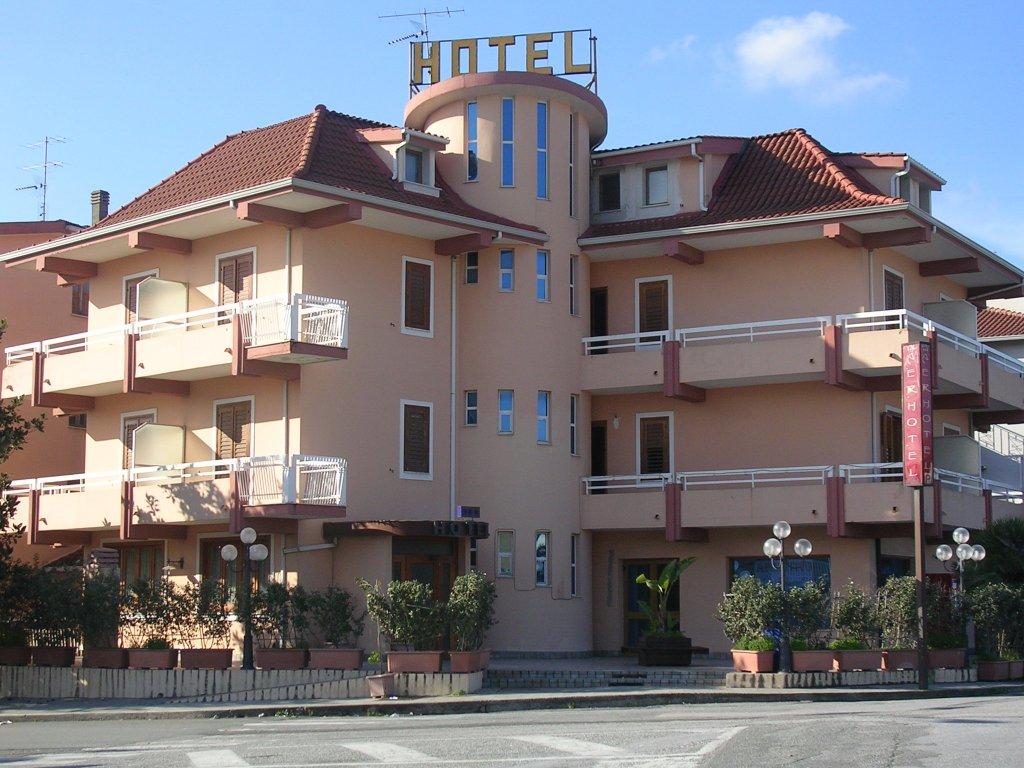 菲利沛艾爾酒店
