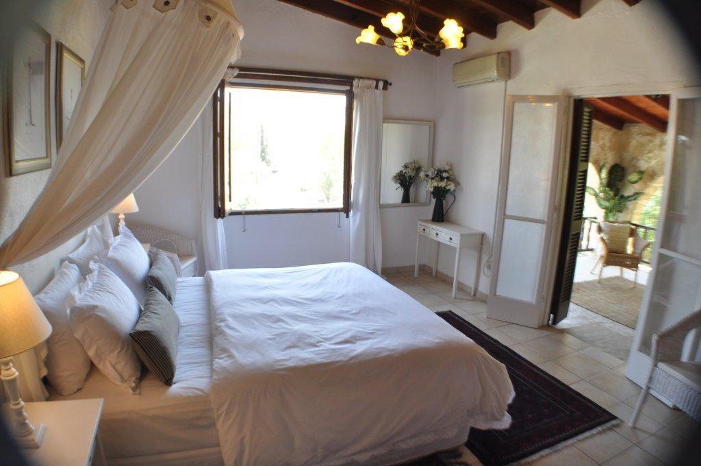 Villa Menorah Bed and Breakfast