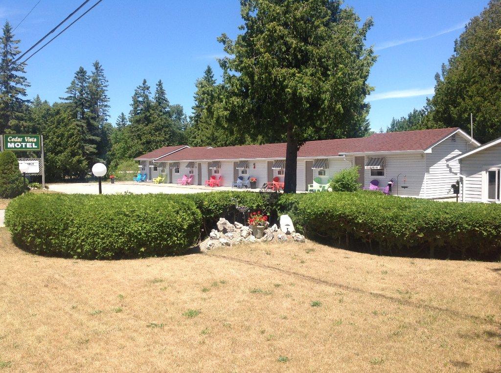 Cedar Vista Motel
