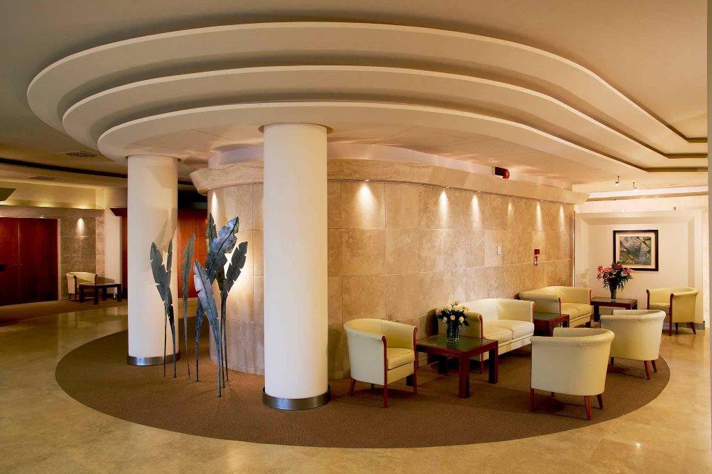 羅馬魯斯蒂卡諾福特酒店