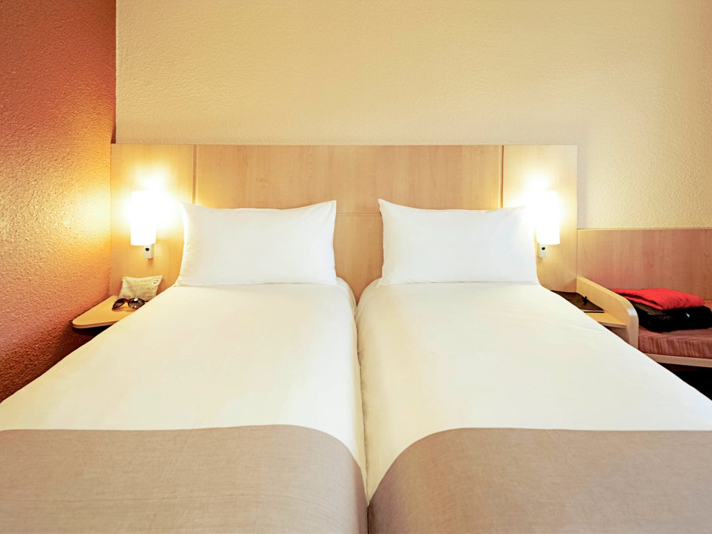 Ibis London Luton Airport