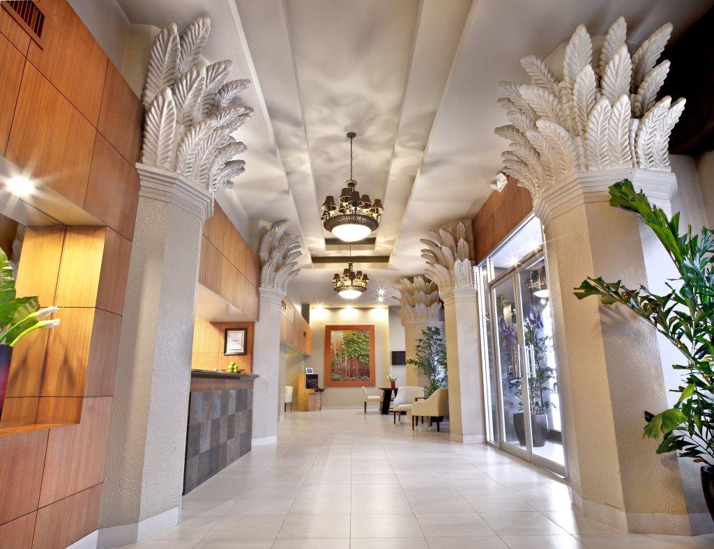 瓜亞基爾宮酒店