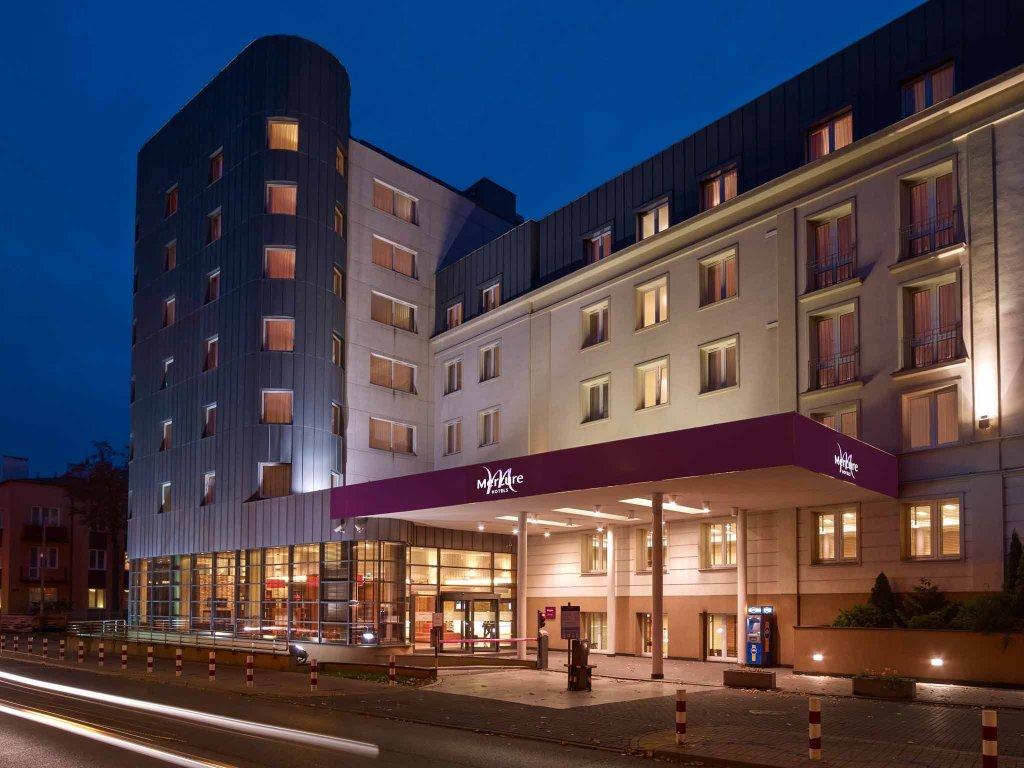 德斯爾瓦華沙機場飯店