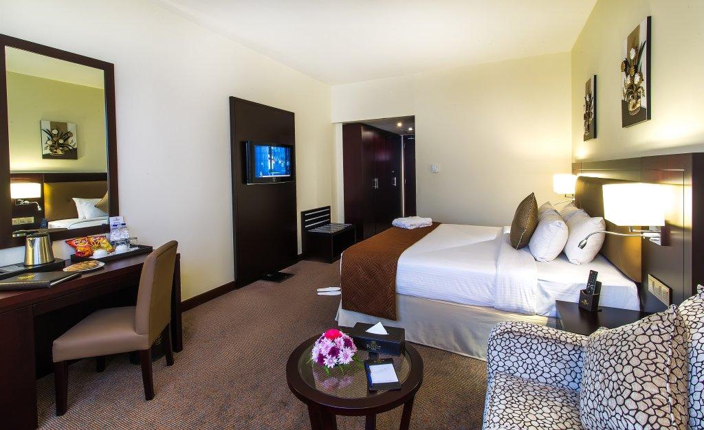 โรงแรมฮอลมาร์ก