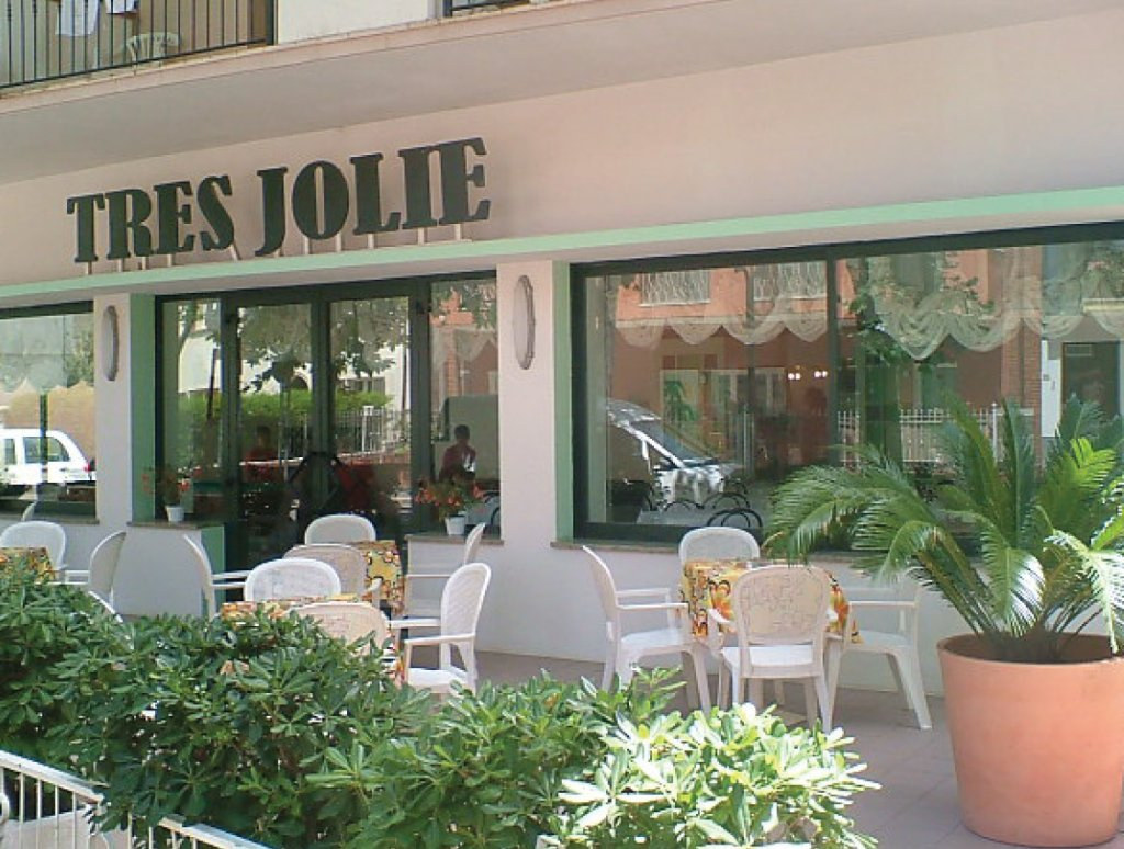 B&B Tres Jolie Hotel