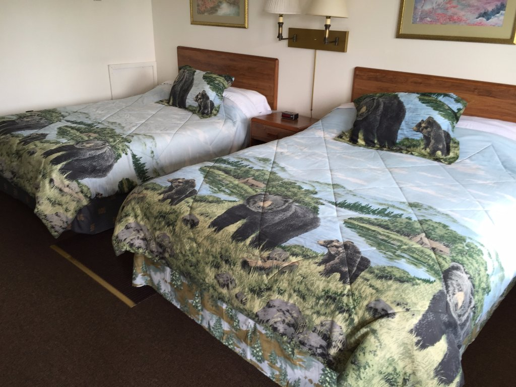 Knollwood Inn