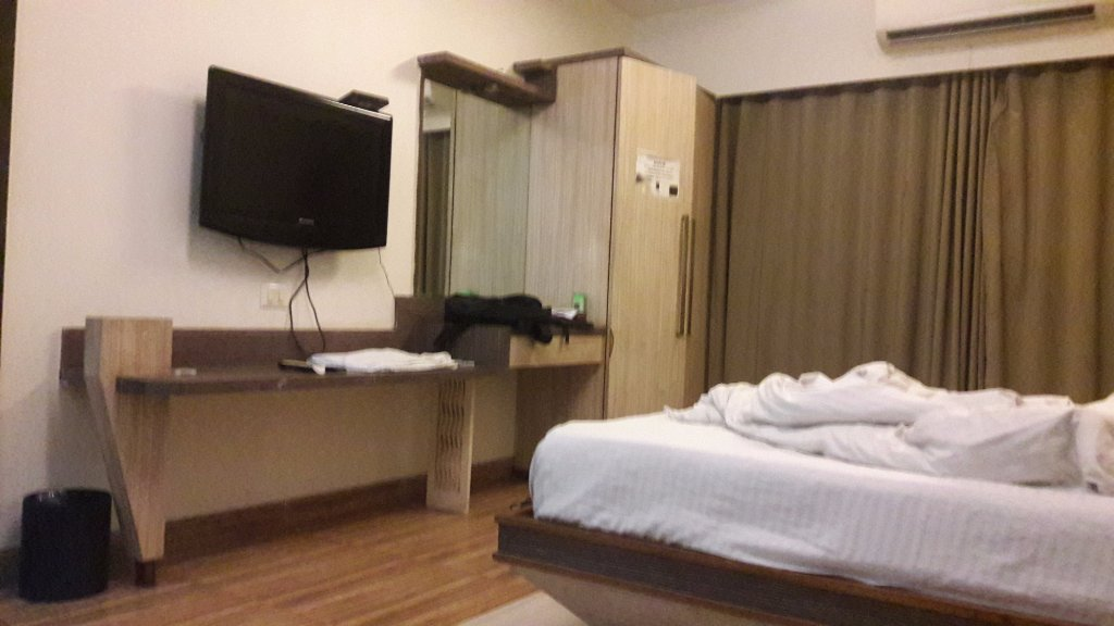 OYO 13823 Hotel Praveen International
