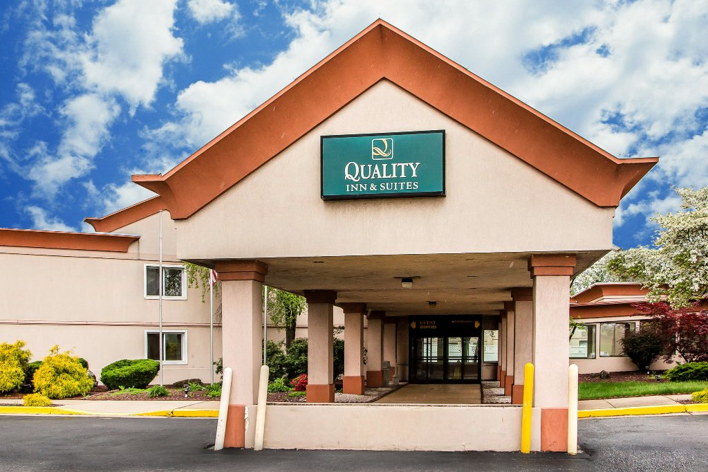 Quality Inn & Suites Chambersburg