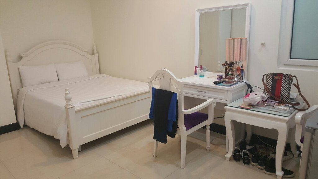 Queen Central Apartment-Hotel