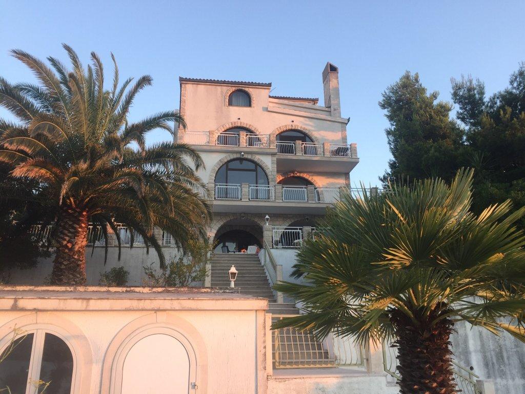 Villa Corona