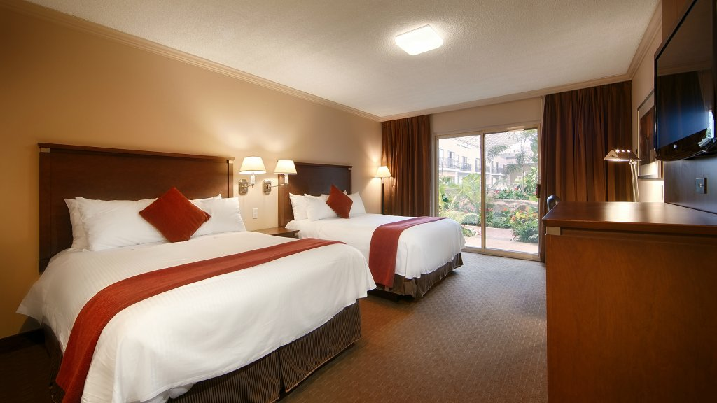 Best Western Plus Lamplighter Inn & Conference Centre