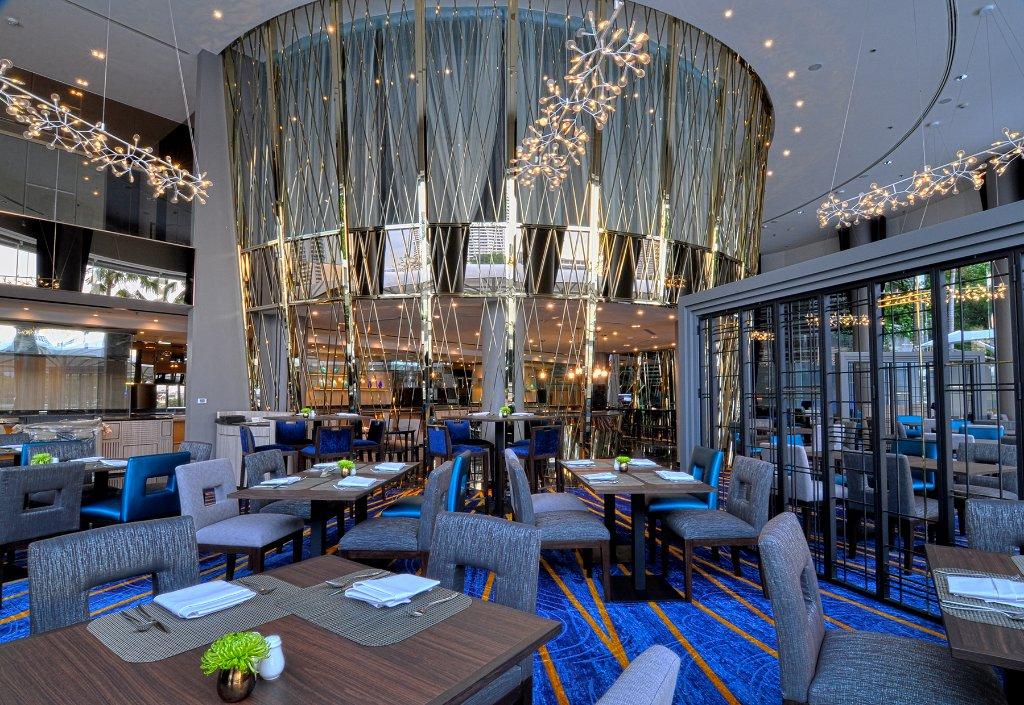 차트리움 스위트 방콕 - 두짓 타니 호텔 파트너